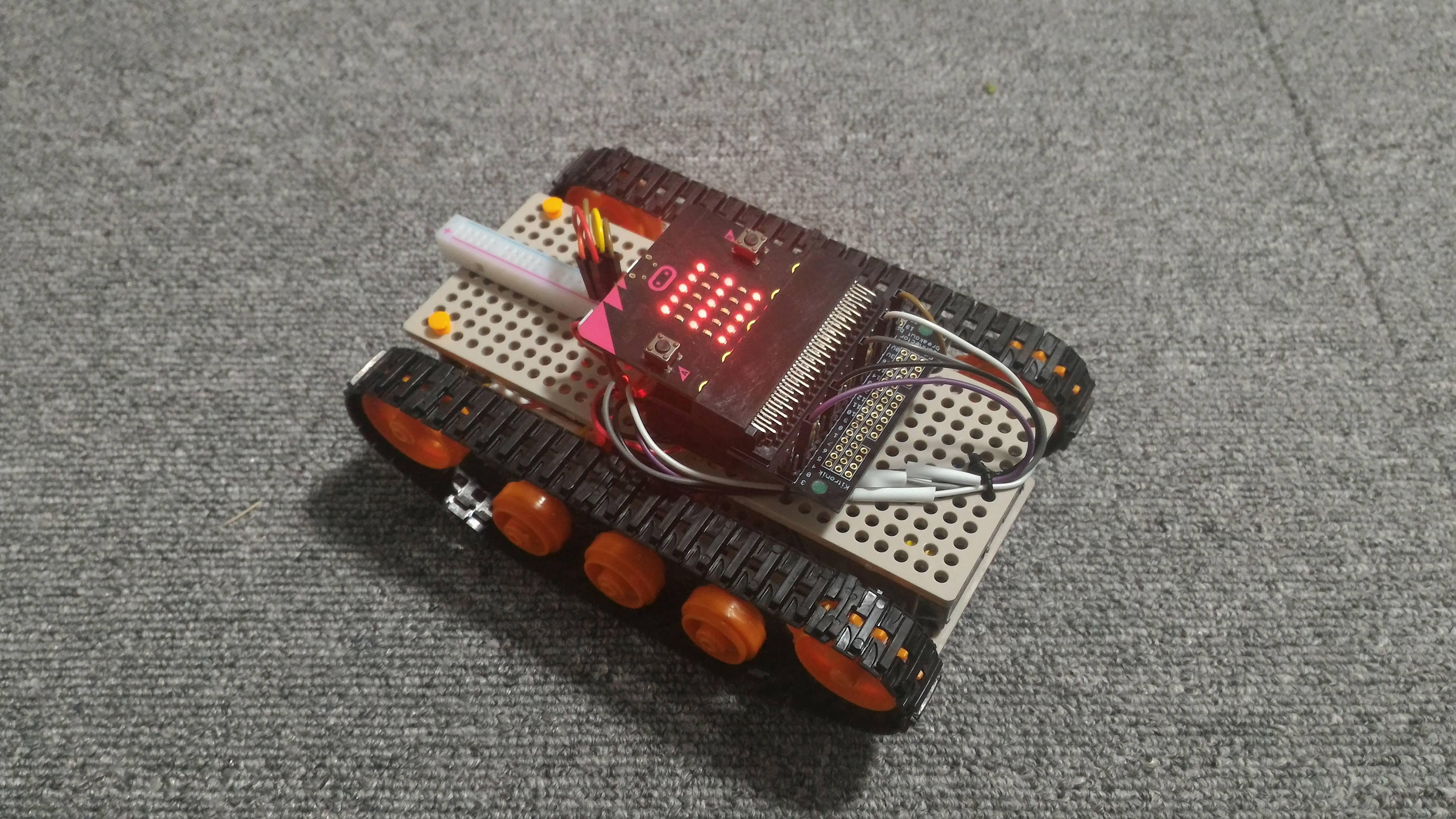 micro:bit 戦車 LEDも光ります